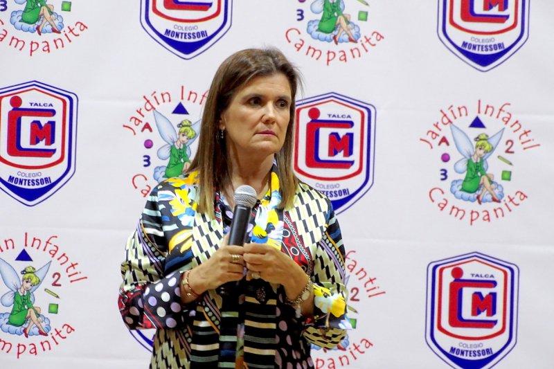 Pilar Sordo en Montessori Talca